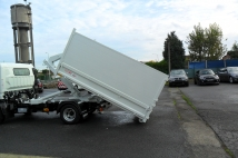 Tipper with containership