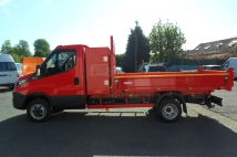 Excalibur tipper on  Iveco Daily 3,5 T with case behind cabin