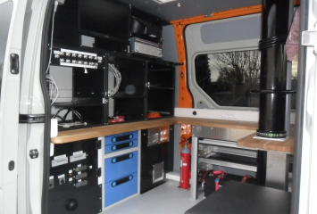 Equipement for workshop vehicle
