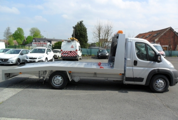 Tow truck on Citroën Jumper vehicle